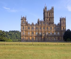 "Walk into the Real ""Downton Abbey"""